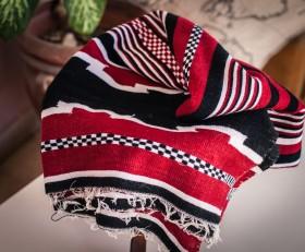 Полосатый бордовый плед (племя Дорзе)