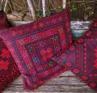 Набор из трех подушек с ручной вышивкой 'Арабские мотивы'
