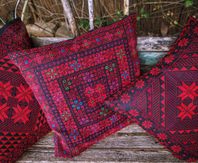 Three hand-embroidered pillow set 'Arab tribes motives'