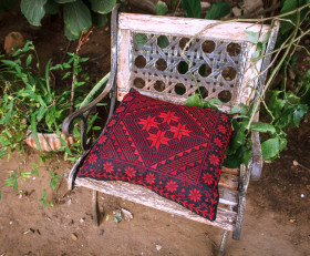 Hand-embroidered pillow 'Arab tribes motives' (bordeaux)