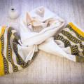 Молочный легкий шарф с золотисто-желтым орнаментом